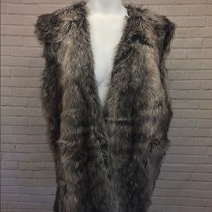 NEW Zara faux fur sleeveless vest medium m